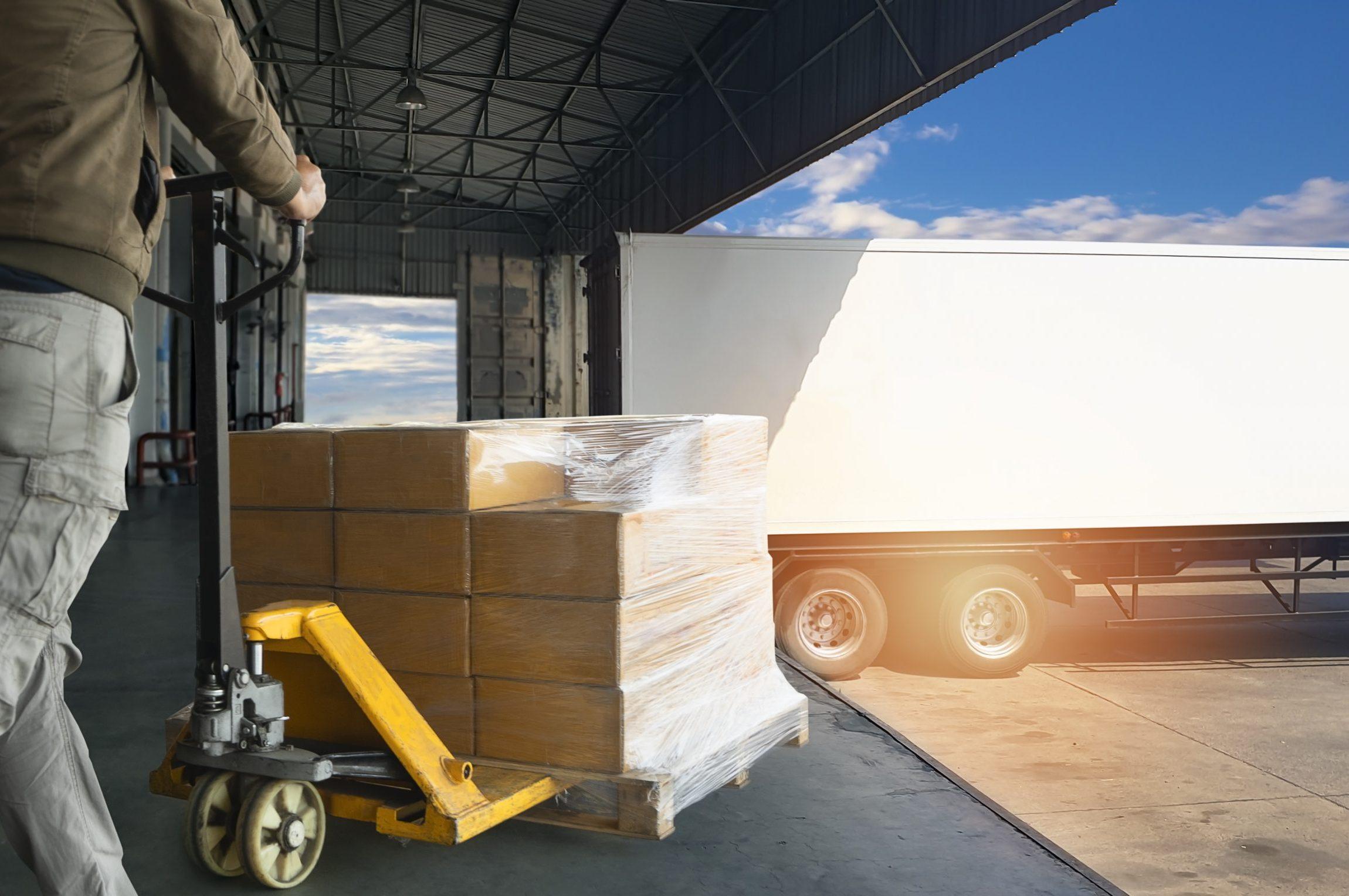 Notre offre d'achat et location d'utilitaire pour le transport, la logistique et le stockage